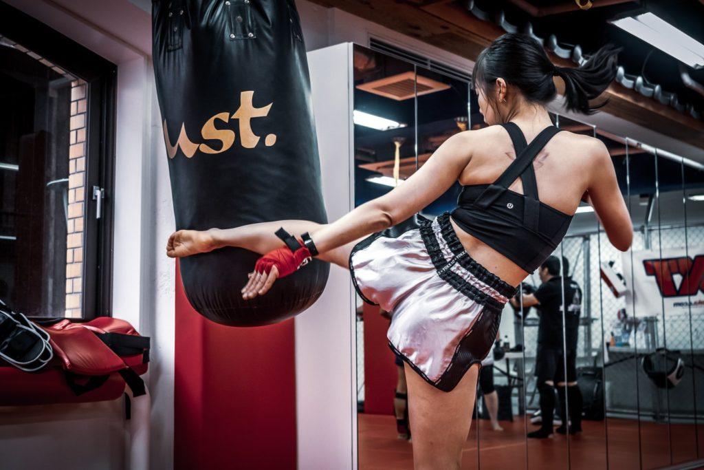 muay thai training tokyo kickboxing samanthawxlow coronavirus jcoportraitist